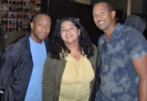 Sonia con Mark Kibble y Cedric Dent de Take6