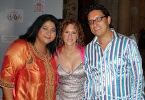 Sonia y José con Manoella Torres en la entrega del Premio Gaviota Internacional